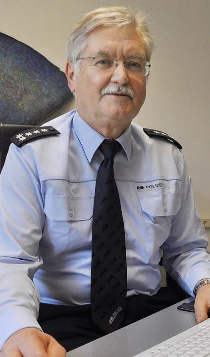 Der Leiter des Polizeireviers Bad Säck...Josef Winkler, geht in den Ruhestand.   | Foto: E. Willers