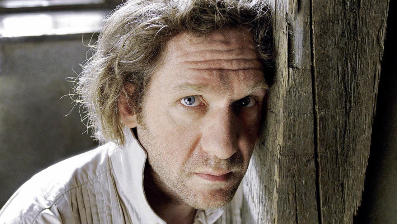 Ein mürrischer Pedant: Johannes Zeiler als Faust     Foto: mfa/die Film Agentinnen