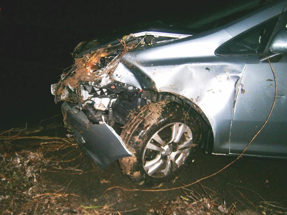 Der Fahrer dieses Wagens wurde bei einem Unfall in der Ortenau schwer verletzt.  | Foto: Polizei
