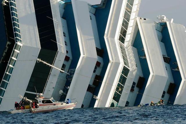 Costa Concordia: Raue See erschwert Arbeit der Taucher