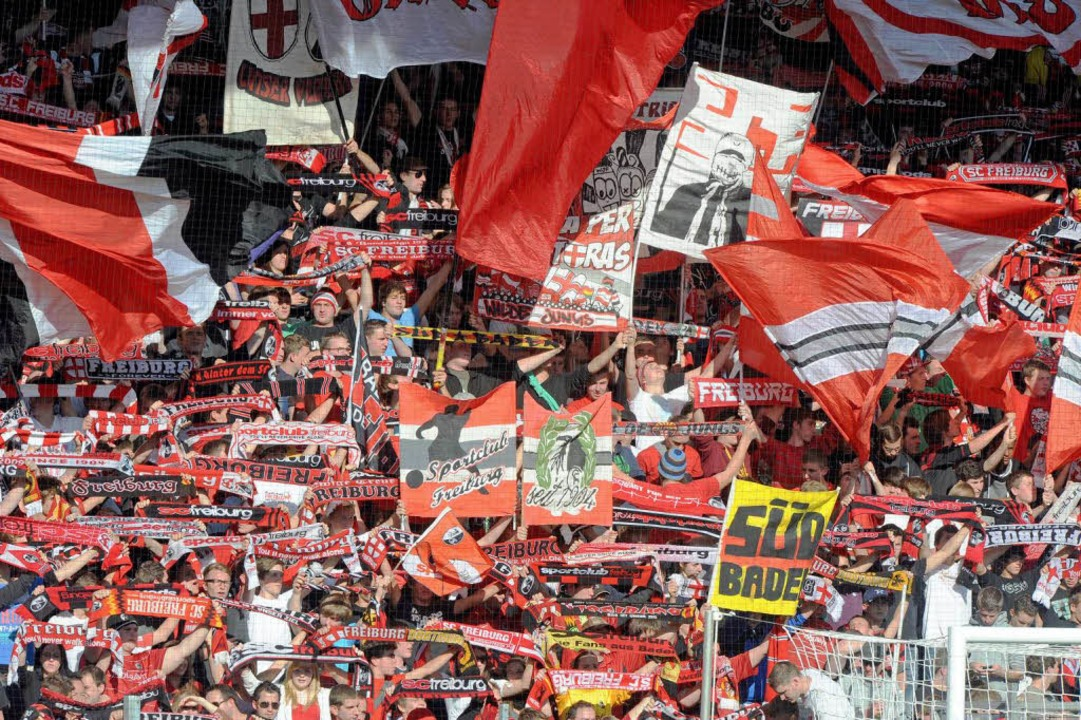 Die treuesten SC-Fans stehen auf Nord.    Foto: Michael Heuberger