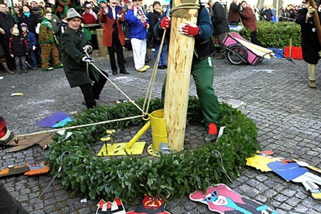 Narrenbaum steht weiter am Lindenplatz