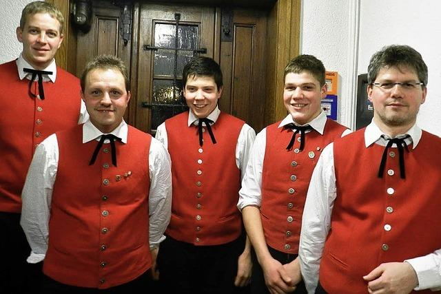 Junges Orchester in Tracht