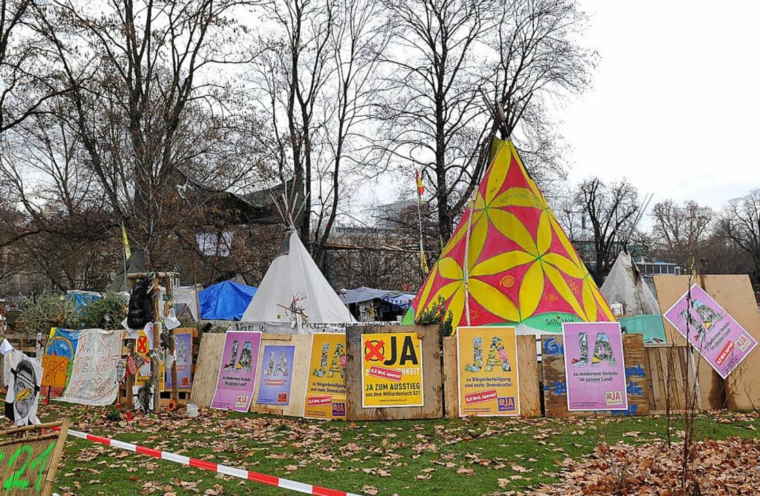 Das Zeltlager von S-21-Gegner im Stuttgarter Schlossgarten     Foto: dpa