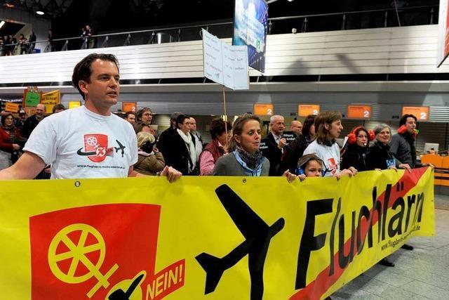 Flughafen Frankfurt: Lautstark gegen
