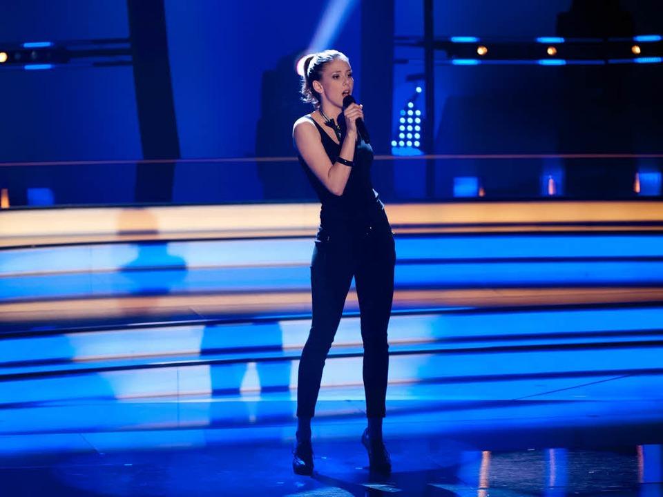 "Céline Huber singt  ""How Come You D'ont Call me"".  | Foto: dpa"