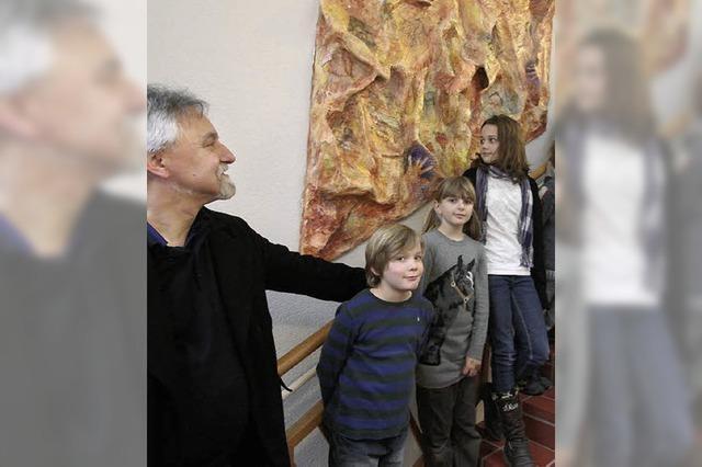 Kinder enthüllen ihr Kunstwerk