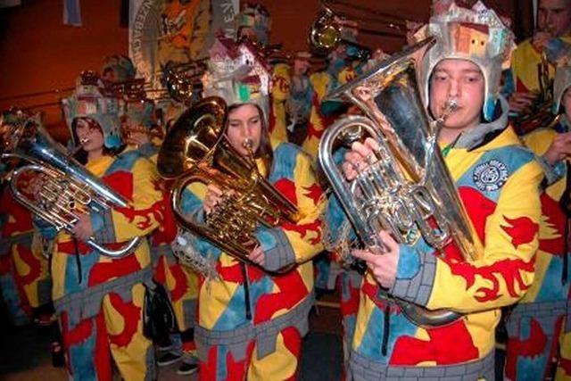 Fotos: Bunter Abend der Enzebächle-Füchs' in Binzgen