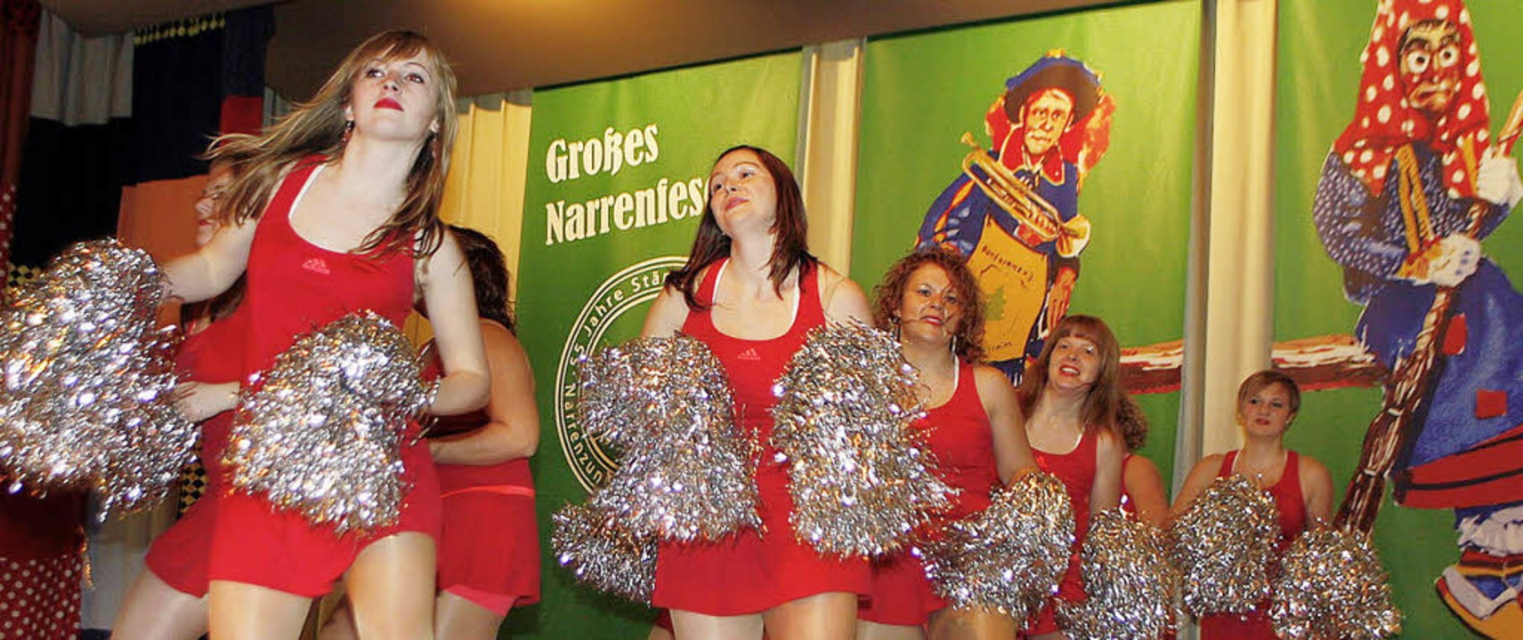 Die Tanzgruppe der Langhurster Mohren ... der Stänglihocker-Zunft aufgetreten.   | Foto: Heidi Fössel