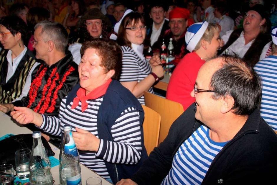 Viel geboten bekamen die Zuschauer am Zunftabend in der Öflinger Schulsporthalle. (Foto: Jörn Kerckhoff)