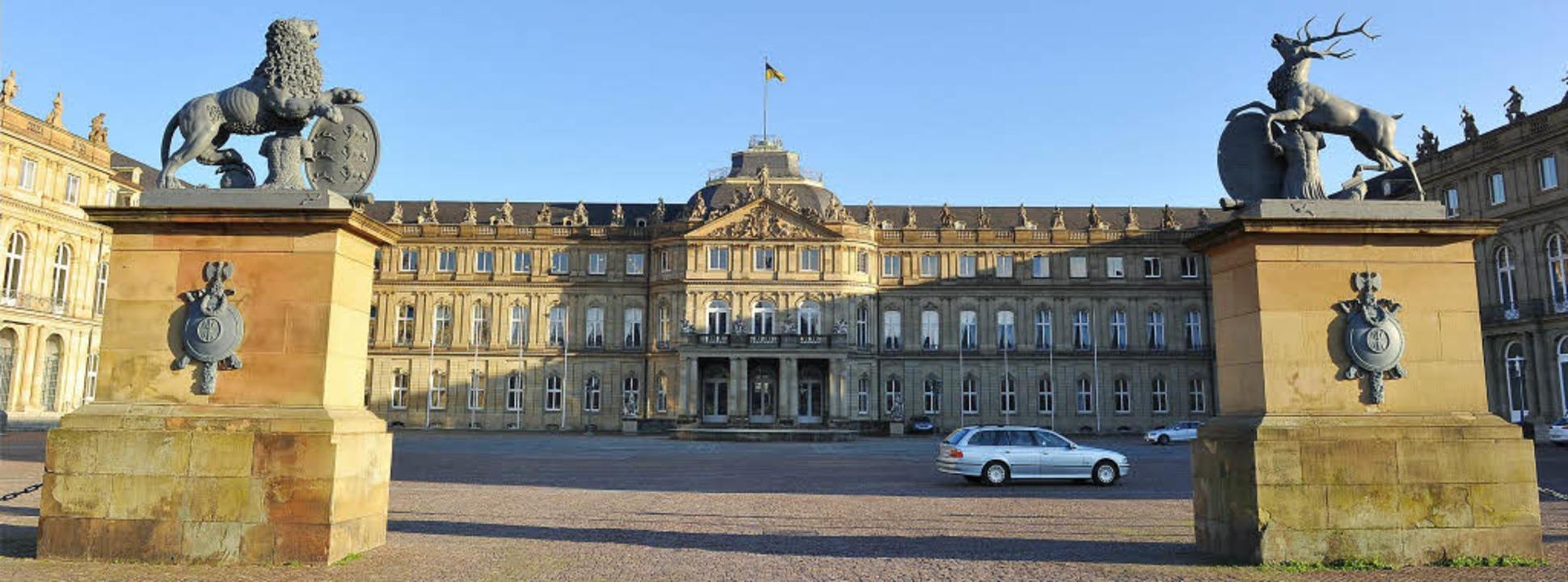 Das Neue Schloss in Stuttgart wird nac...zressort von Nils Schmid beherbergen.   | Foto: dpa