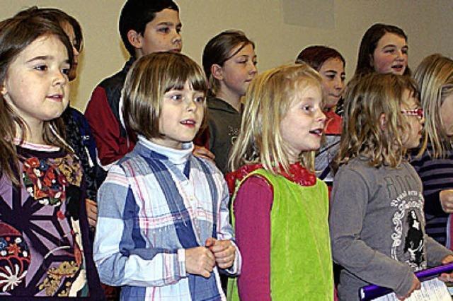 Grundschulchor sang für die Senioren