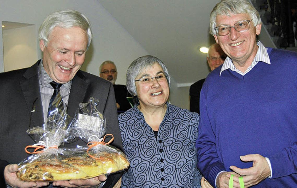Jutta Vincent mit ihren beiden kräftig...er  (links) und Kurt Schäfer-Vincent.   | Foto: Hirschberger