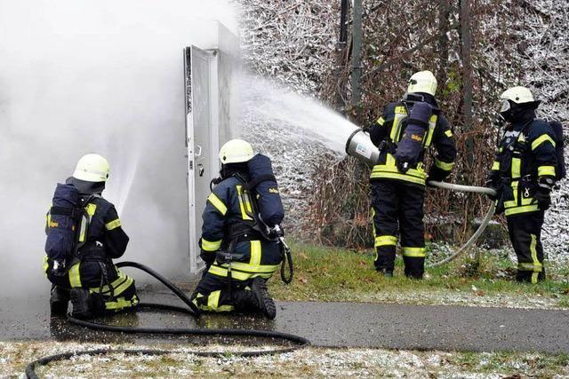 Brennender Trafo sorgt für Stromausfall in Neuenburg