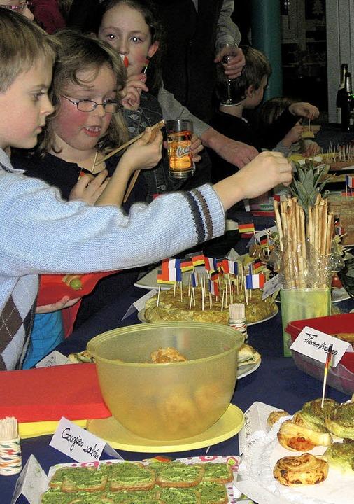 Bei der deutsch-französischen Woche in...ie Freundschaft auch durch den Magen.   | Foto: Privat