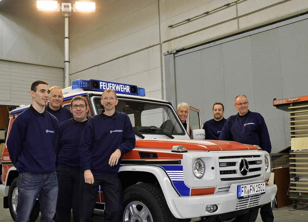 Den neuen Vorausrüstwagen (VRW) haben ...z, Martin Kirner und  Achim Seifried.   | Foto: markus straub