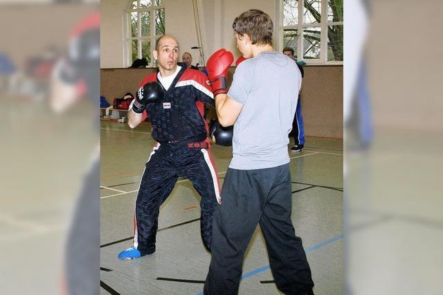 Marc Bonar leitet lehrreiches Training