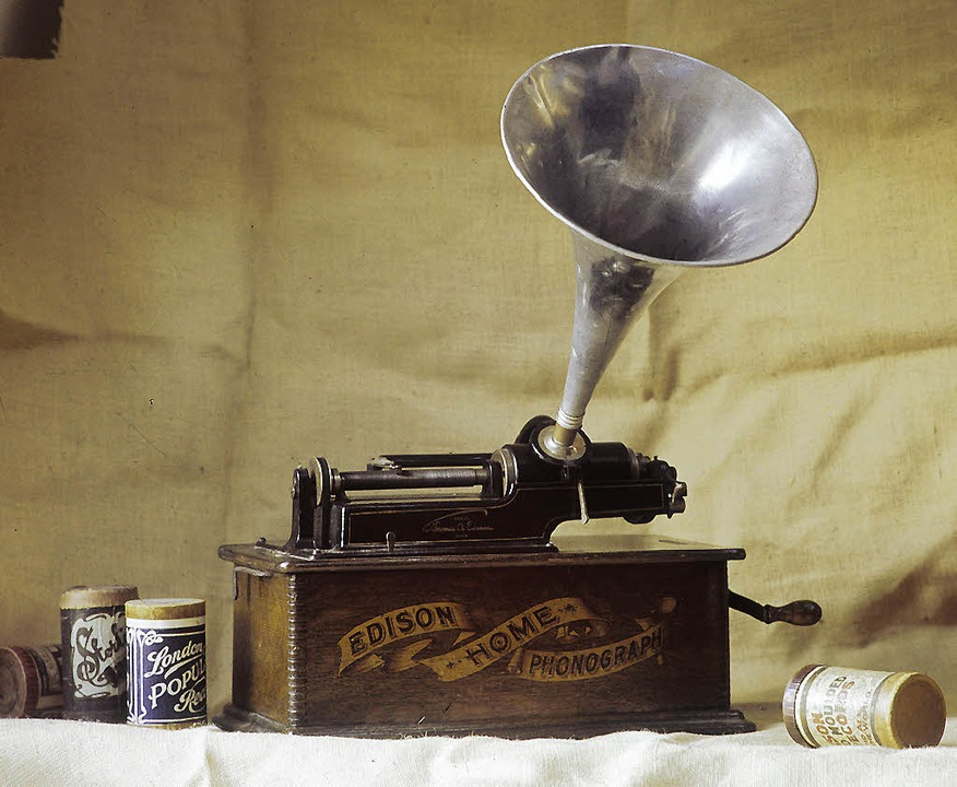 Eine Tonaufnahme von Otto von Bismarck... aufgezeichnet mit einem Phonographen.  | Foto: dpa/afp