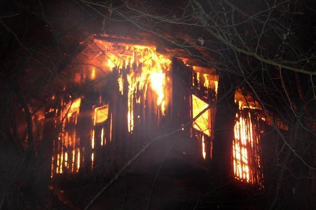 Hütte brannte bei minus zehn Grad ab