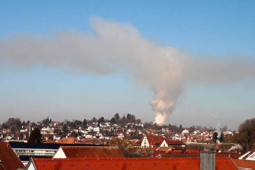 Diese Übersichtsfotos entstanden vom O...oss des Emmendinger Landratsamtes aus.    Foto: Ulrich Spitzmüller