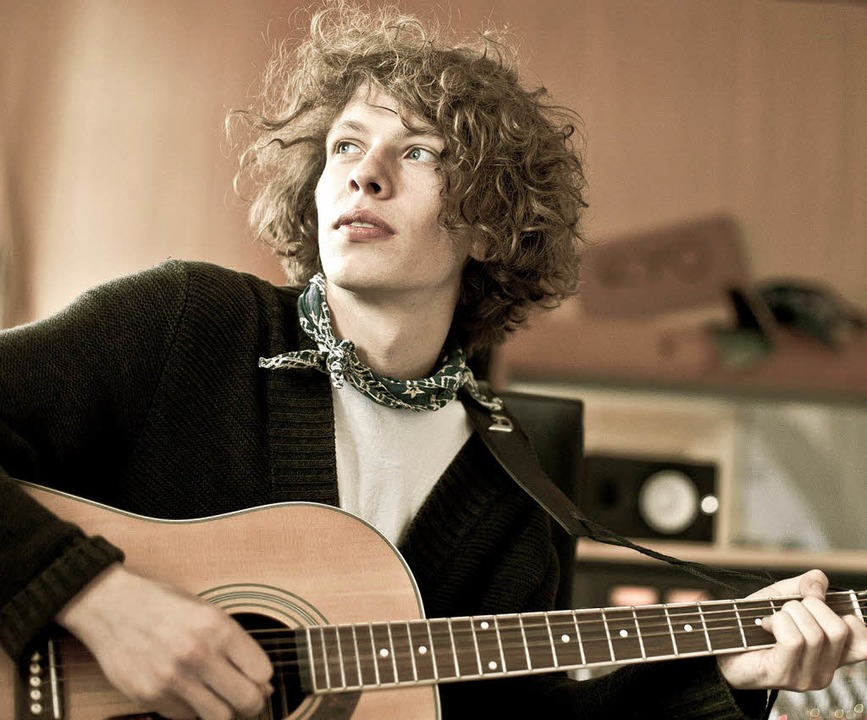 Max Prosa in Dylan-Pose – funktioniert auch in  Farbe.  | Foto: Tino Sieland
