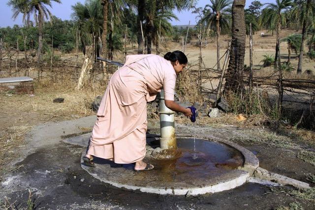 Jeder Brunnen hilft 120 Bauernfamilien