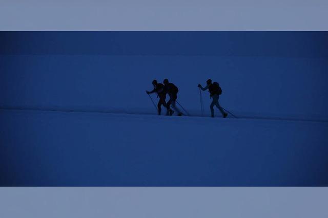 Ein Rucksack voller Abenteuer in eisiger Kälte