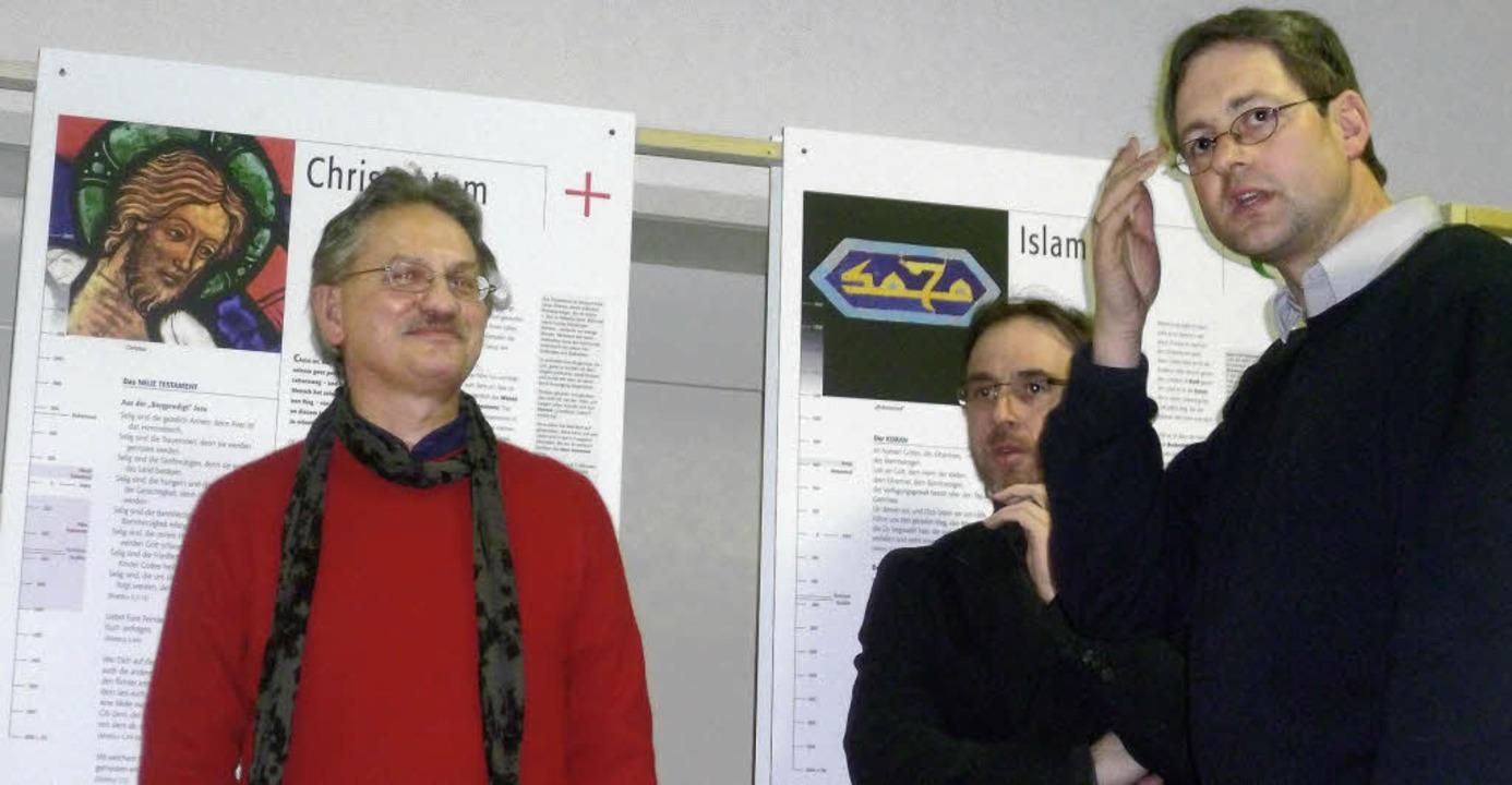 Über die Rolle der Kirchen in der NS-Z...Müller und Jörg Hinderer (von links).   | Foto: Gabriele Rasenberger