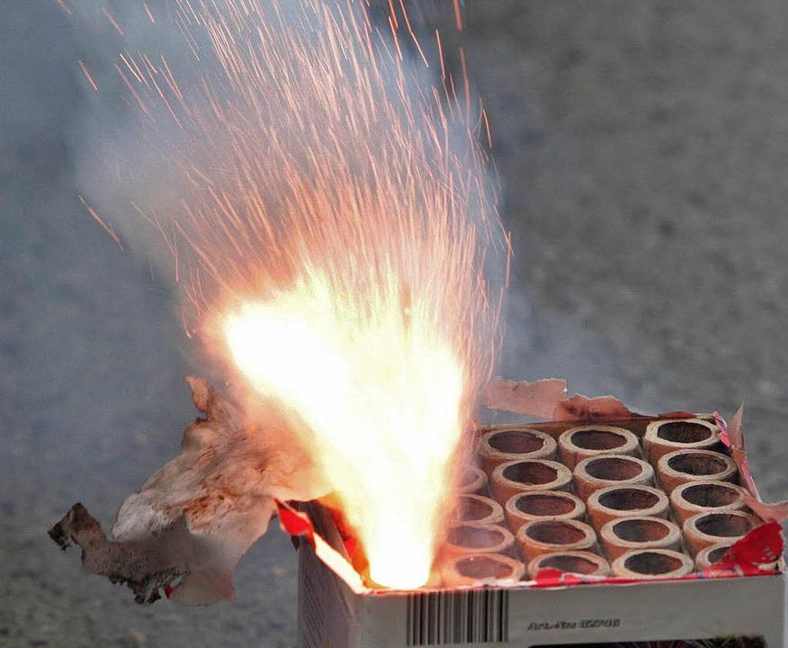 Geballte Feuerkraft: 25-Schuss-Batterie in Aktion   | Foto: Archivfoto: dpa
