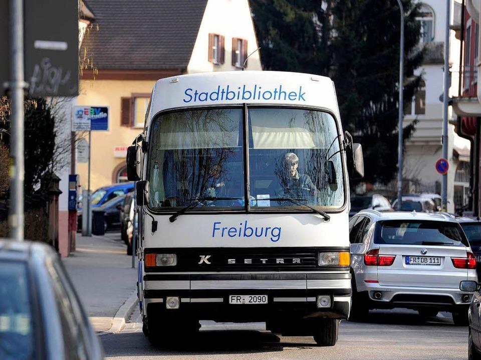 4000 Medien karrt der Bus für aufsteigende Lesetalente an.  | Foto: Ingo Schneider