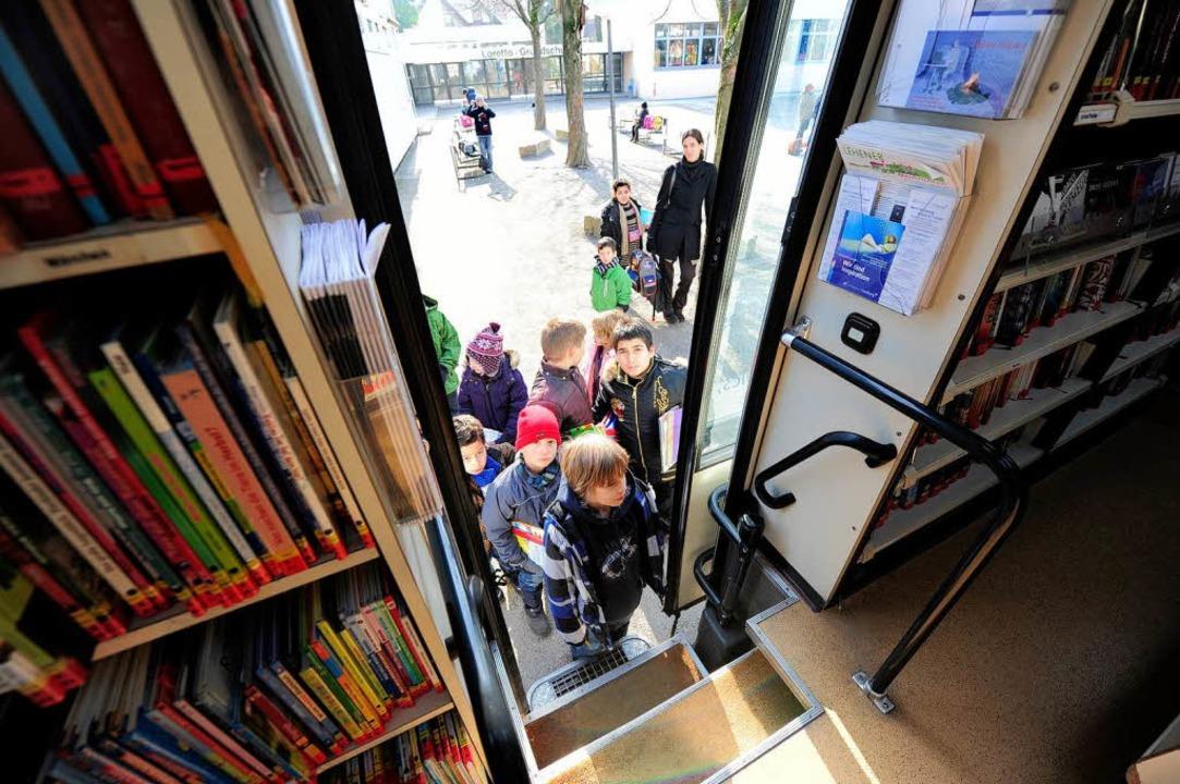 85 Prozent der Busnutzer sind Kinder, ...adtbibliothek in der Innenstadt können  | Foto: Ingo Schneider