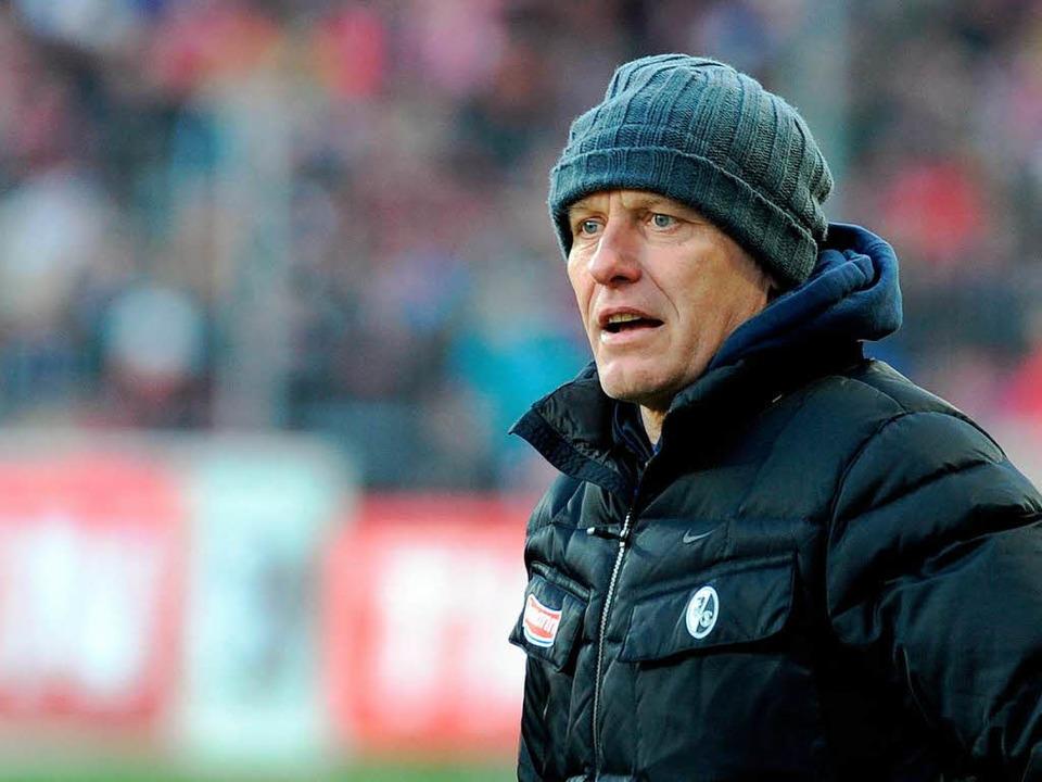 Den Fußballgott gibt's nur bei Journalisten: SC-Trainer Streich.    Foto: Michael Heuberger