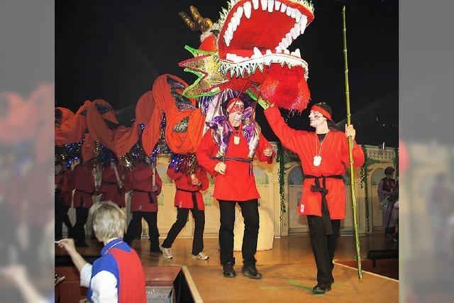Farbenfrohe Narrenparade mit viel Witz beim Circus Maximus