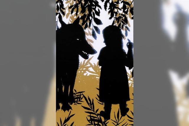 Grimm'sche Märchenhelden: Böser Wolf in Rüschenwäsche