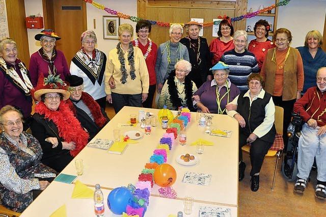 Senioren freuen sich über Spaß in munterer Runde