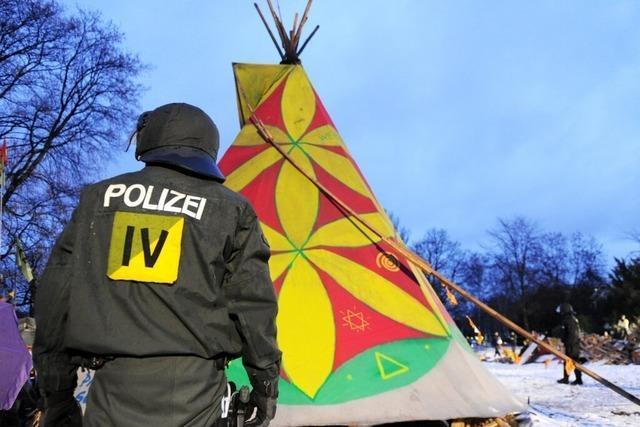 Polizei räumt Zeltlager der S21-Gegner