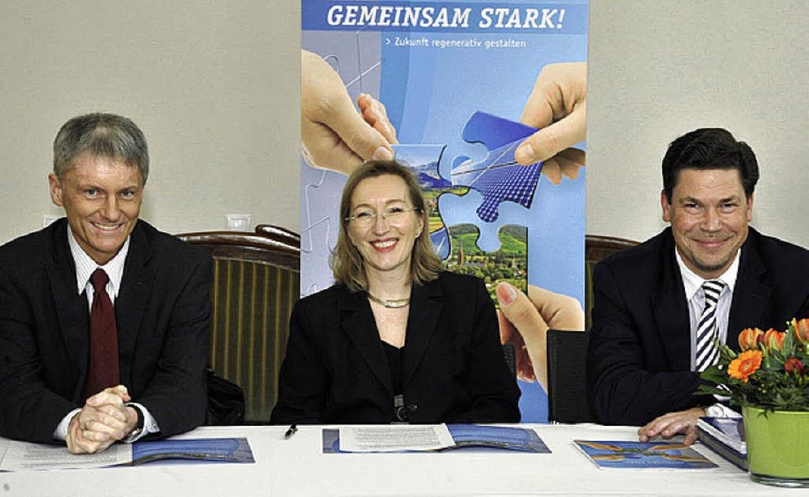 Haben gut lachen beim Thema Energiewen...blich und Jochen Fischer (von links).   | Foto: Münch
