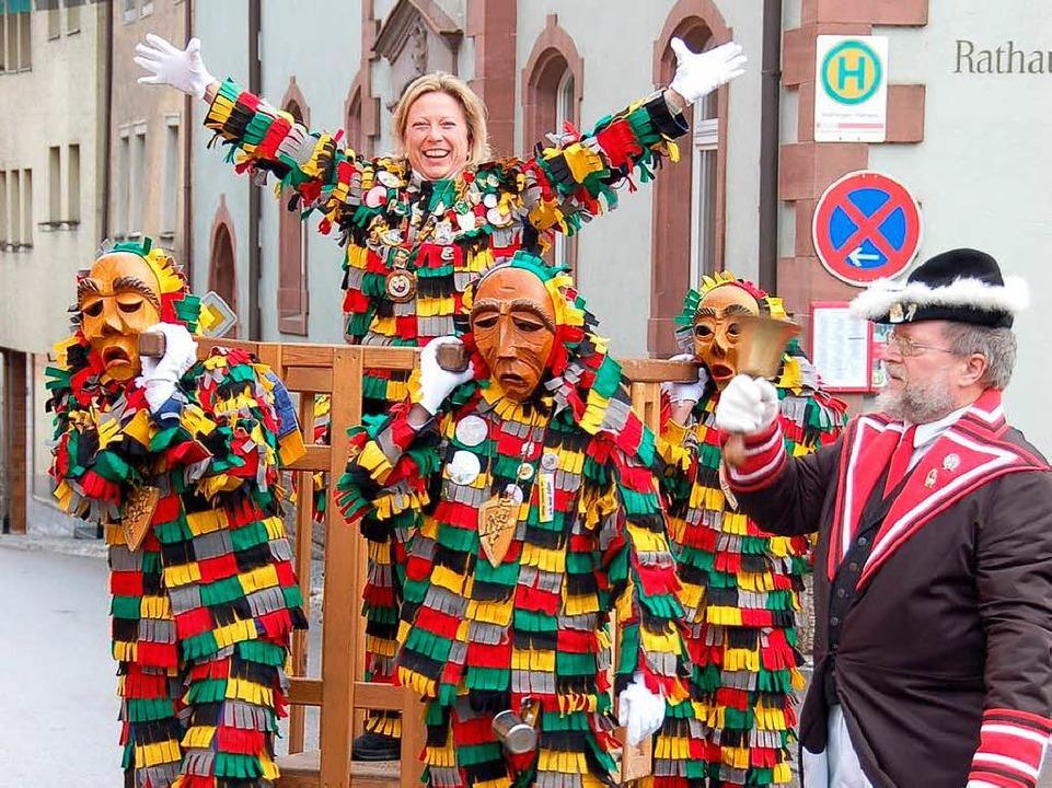 Die Bürgermeisterin ist entmachtet! Bl...ur die Reise im Saugatter zu genießen.  | Foto: Binner-Schwarz