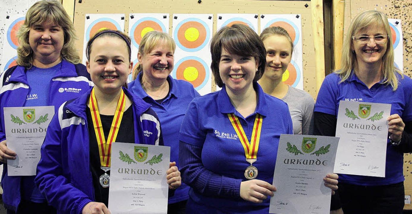 Erfolgreiche Bogenschützinnen (von lin...ca Bächtle, Sarah Schöne,   Ute Rapp.   | Foto: Privat