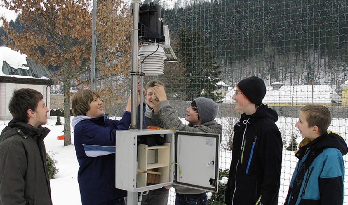 An den Messgeräten selbst (Foto) haben... Funk an die Wetterstation übertragen.    Foto: Privat