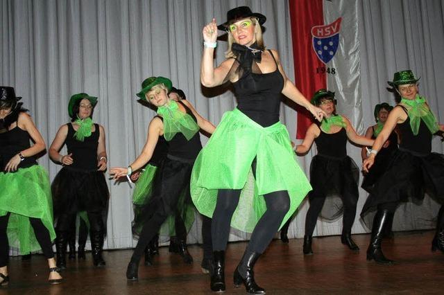 Sketche und flotte Tänze