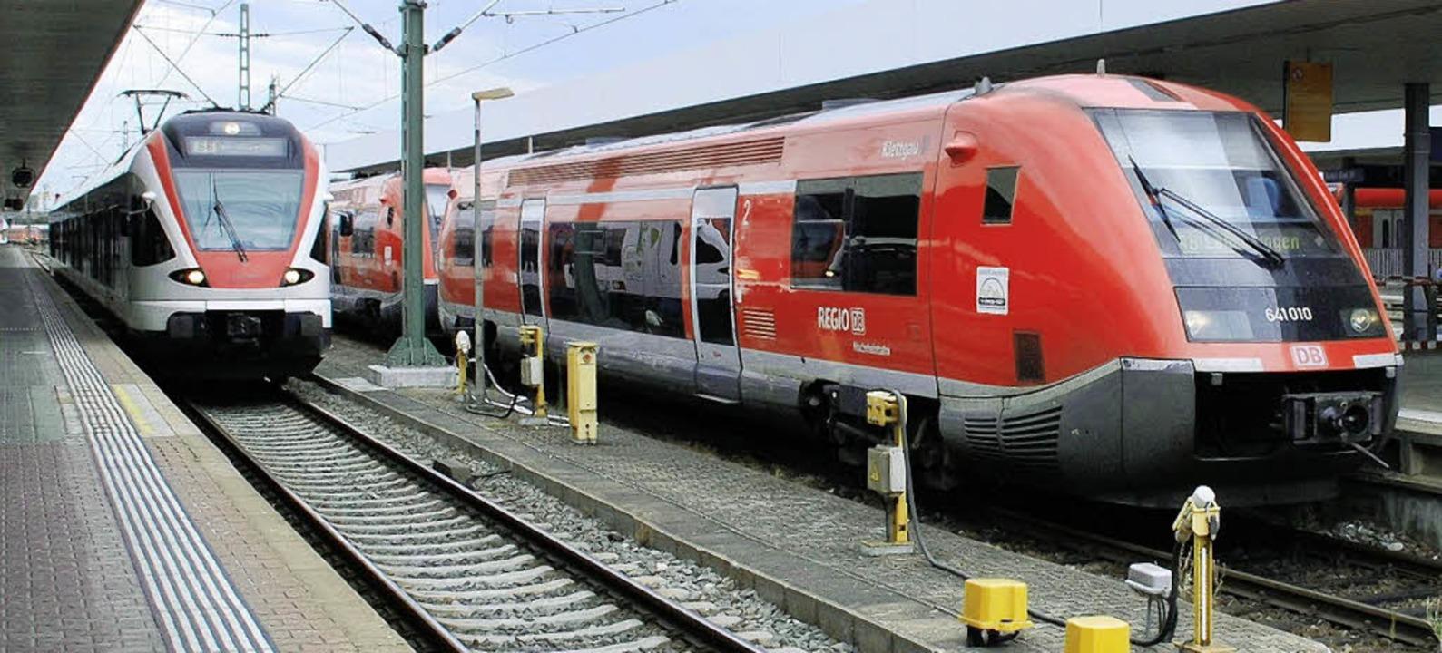 Die Verknüpfung der S- und Regionalbah...n Bahnhof ist derzeit kaum belastbar.   | Foto: Maja Tolsdorf