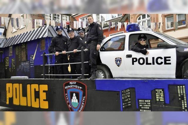 Police Departement Suggental auf Streife