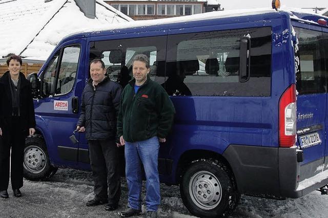 Feldberg-Klinik bekommt Kleinbus spendiert