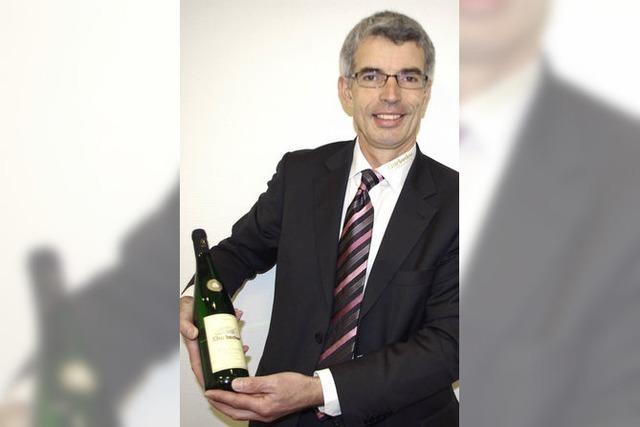 Ein Doktor führt die Durbacher Weingenossen