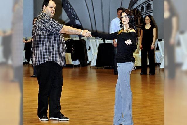 Park wird zur riesigen Tanzschule