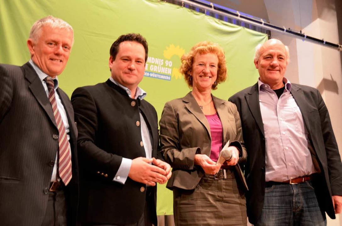 Zufrieden nach ihrem Auftritt: von lin...,  Michaela Ecker und Alexander Schoch  | Foto: Hans-Jürgen Truöl