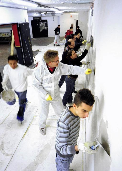 Geballter Einsatz: Junge Stadträte und jugendliche Migranten.   | Foto: kunz