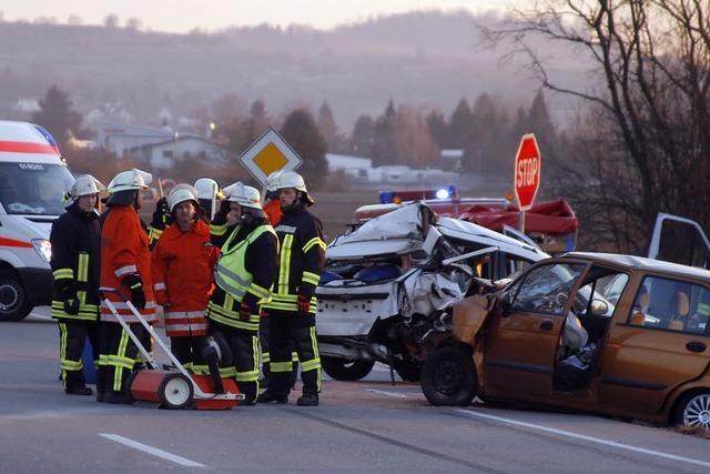 Schwerer Verkehrsunfall auf der B 3 bei Mahlberg