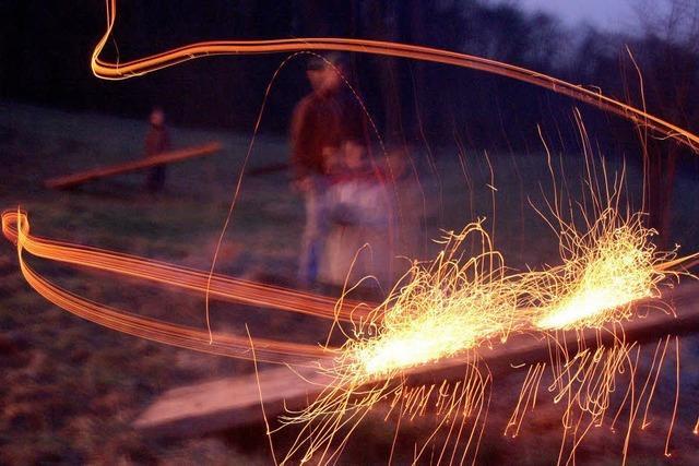 Künstler mit der Feuerscheibe